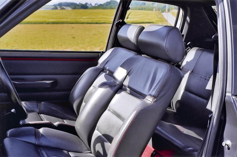 Intérieur tout cuir 205 GTi 1.9