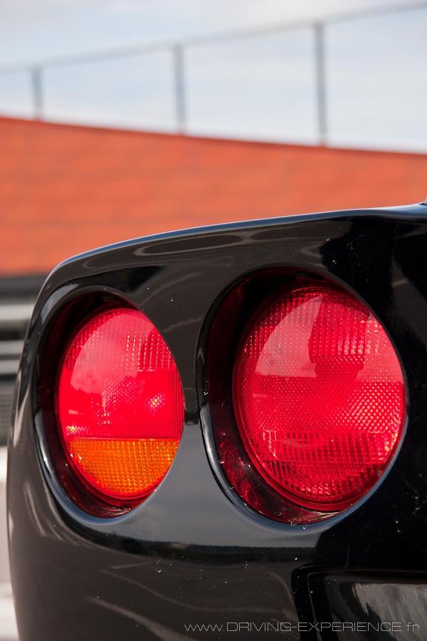 Les feux ronds intégrés, une signature du style Corvette