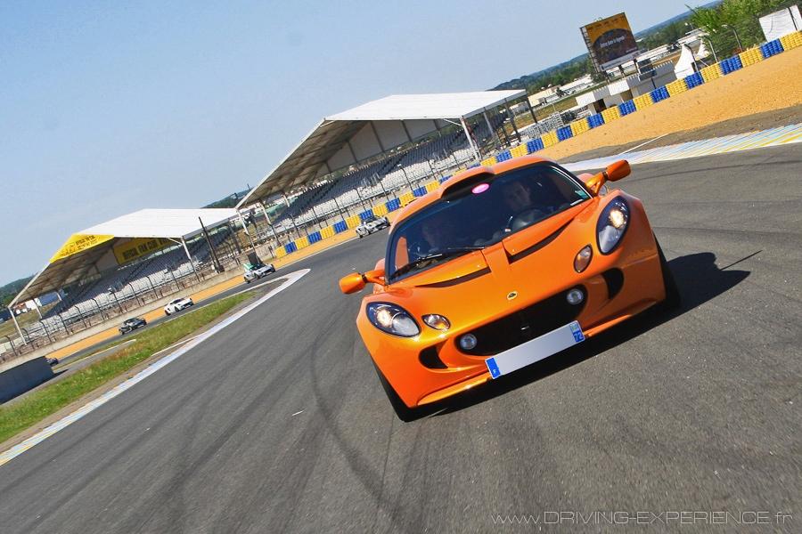 Tour de chauffe sur le Circuit Bugatti