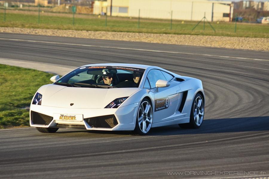 C'est sur piste que la voiture dévoile tout son potentiel !