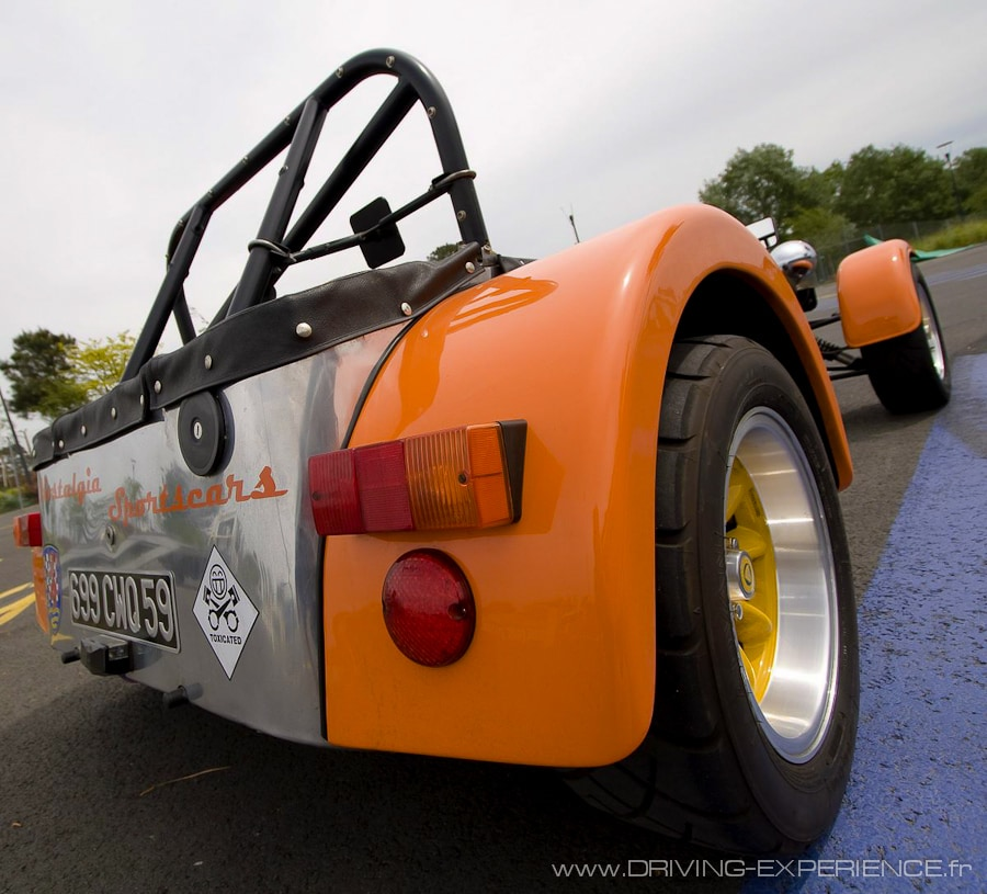 Caterham Seven Orange Mécanique