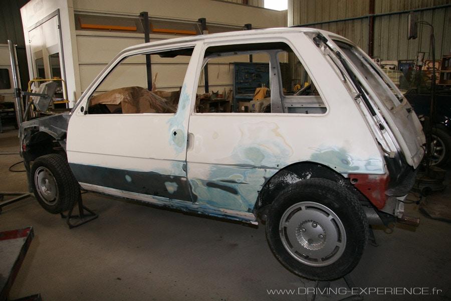 Préparation de la carrosserie, la voiture est rès saine et les points à corriger très bien identifiés