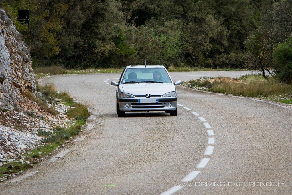 Très à l'aise sur les petites routes la S16