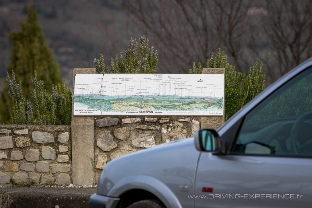 Séance photos réalisée sur le rocher de Sampzon au cœur de l'Ardèche méridionale