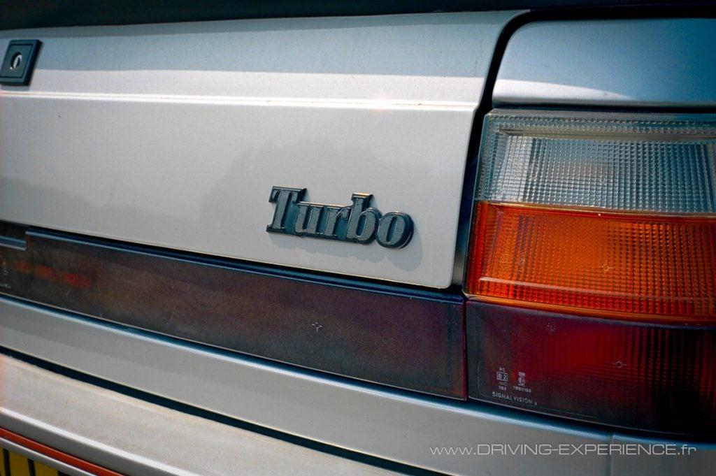 Dans les années 80, le Turbo était un élément distinctif qui s'affichait !